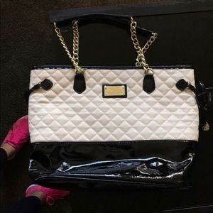 Two tone patent leather quilted purse
